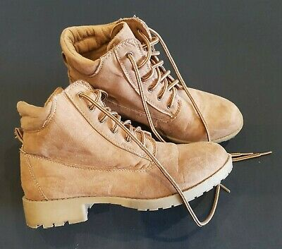 Tu size 3 (36) tan brown faux suede lace up desert ankle boots