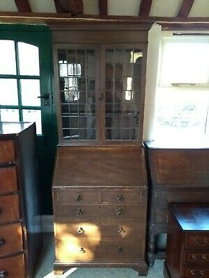 Oak Dresser Bureau (1930's) Excellent condition . Lead light windows . Hailsham