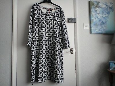 Hatley Ladies Dress Size Xl Navy/White Geometric Pattern Excellent Condition