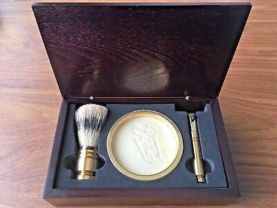 Stunning 1970's Vintage Gold Coloured Shaving Kit w/ Wooden Box by Boots