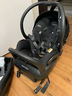 maxi cosi Baby Capsule/base With Extra Base And Isofix Adapters