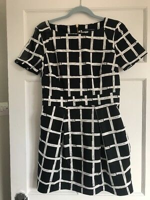 French Connection Ladies Black And White Flare Dress. Size 12
