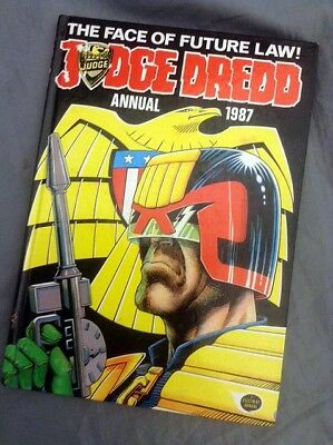 JUDGE DREDD ANNUAL 1987 (Very Good Condition)