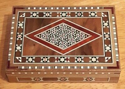 Small Rectangular Inlaid Wooden Box. In Good Condition.