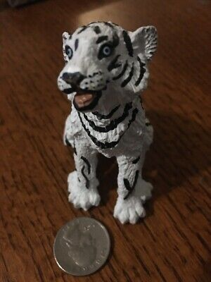 Wildlife Wonders Siberian Tiger Safari Ltd Animal Educational Toy Figure White