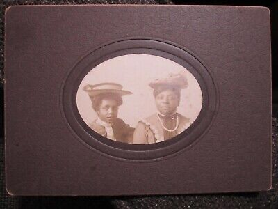 Great early 20th century photograph of two African American Women in Hats!