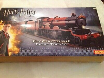 Hornby Harry Potter the half blood prince Hogwarts express electric train set