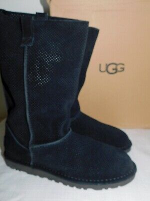 f9dbf0c347f NEW NIB WOMENS Size 10 Black Ugg Classic Unlined Mini Suede Ankle ...