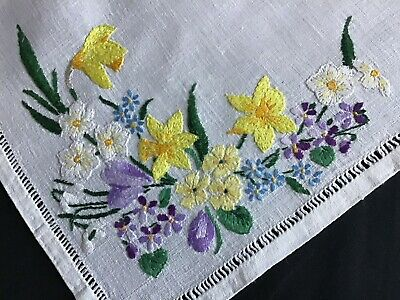 Pretty Vintage Linen Hand Embroidered Tray Cloth ~ Spring Florals