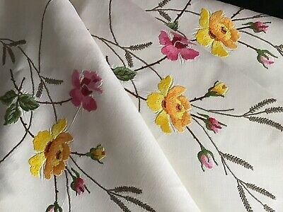 Exquisite Vintage Irish Linen Hand Embroidered Tablecloth ~ Roses & Rose Buds