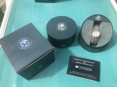 Womens Citizen Eco-Drive Two-Tone Watch E011-S031109 Gently Used Condition