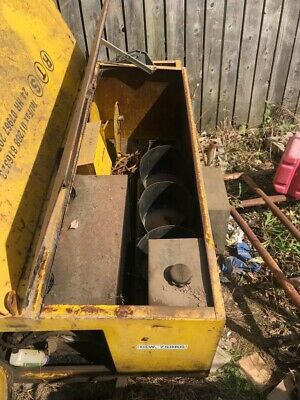 Traffic Light Trailer Complete With Engine Generator.*read Description. Used.