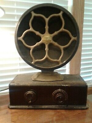 Atwater Kent Model 35 Radio With Type 2 E Radio Speaker For Parts Or Restoration
