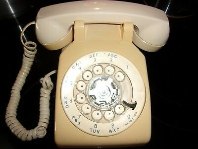 Vintage Bell System AT&T TAN Rotary Dial Desk Telephone, 500 DM Pulse Dial only.