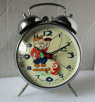 Great Almost As New Sky Blue Animated FISH and Cat Alarm Clock from HERO