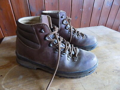 64bcdd26be8 LOVESON WALKING BOOTS Size 11 - £23.00 | PicClick UK