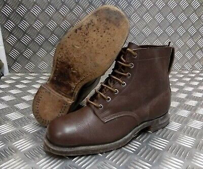 Genuine Vintage Leather WWII 1941 Brown 7 Hole Leather Sole Boots Eur 43