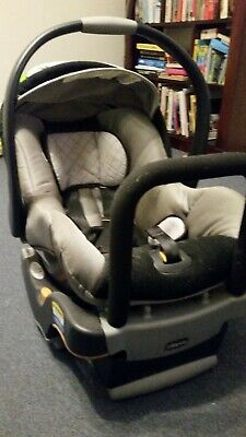 Chicco Baby Capsule with Base, Good Condition