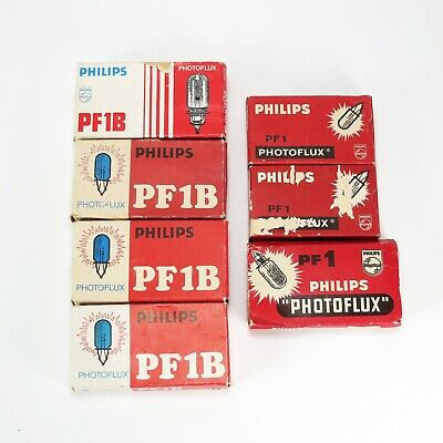 Lot of Philips PF1 and PF1B Flash Bulbs - 25 Total