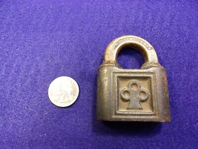 Nice Older Vtg Antique Cast Iron & Brass Padlock Lock - Y&T Yale & Towne, No Key