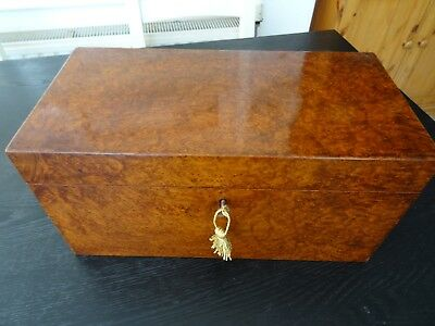 Antique Victorian  Burr Wood Tea Caddy (106)