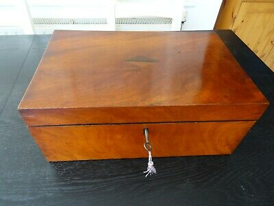 Antique Victorian Sewing Box and Contents (322)