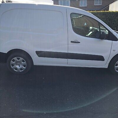 Peugeot Partner 2013 Diesel van with sld Excellent appearance inside and out 63K