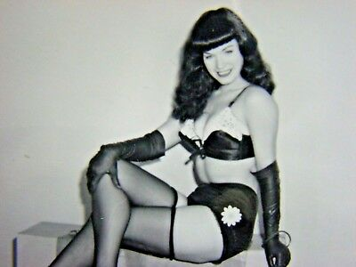 "BETTIE PAGE   ORIGINAL  with ""HER WHIP""  VINTAGE  1950's -RARE  ""H H -173"""