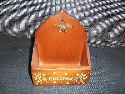 Old Vtg LOUISE THOMPSON Wood RECIPE CARD HOLDER Box HandCrafted Vermont Decor