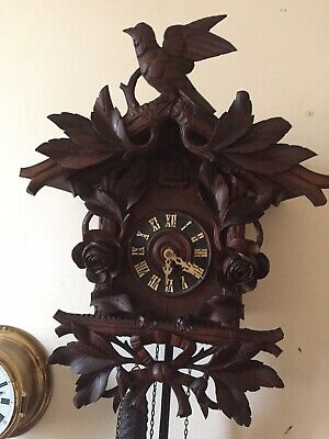 Vintage Big Hand Carved Black Forest Cuckoo Clock Beha ?