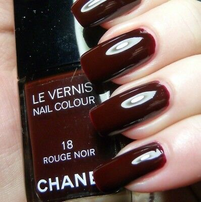 Chanel Vernis Rouge Noir 18 Iconic Red Vamp Blackened Nob Nail