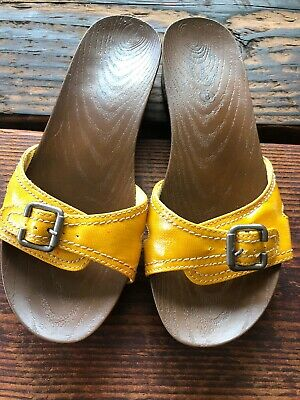 8ba4597ae62b DR SCHOLLS Sunshine Yellow SLIDES SANDALS SHOES Size 8 Adjustable Wide  Width.