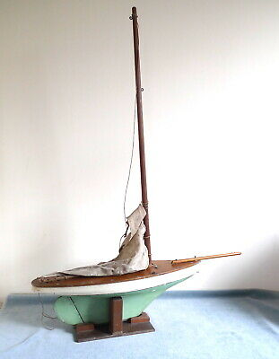 1930's VINTAGE WOODEN POND YACHT FOR RESTORATION & / OR DISPLAY