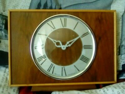 Vintage WESTCLOX Wind Up Mantle Shelf Clock Scotland Wooden Stylish metal back