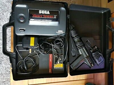 SEGA MASTER SYSTEM 2 COMPLETE with CARRY CASE Alex Kidd built in/ gun and cart