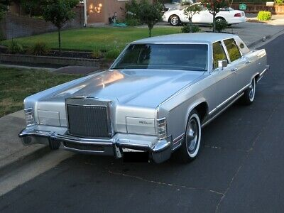 1978 Lincoln Continental Optional Luxury Group 1978 Lincoln Continental - V8 460 Cubic Inch (7.5 LIter)