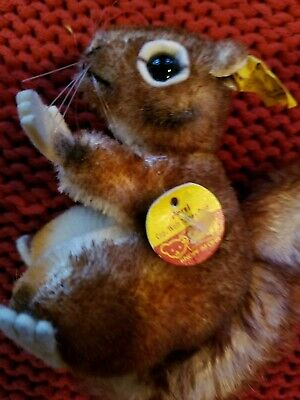 "Steiff Vintage Squirrel 2040/12 Miniature Tag Attached 3.5"" Tall x 4"" Long Perri"