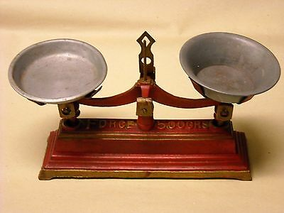 """Antique Cast Iron Scale """"Force 500Grs"""" Small Size"""