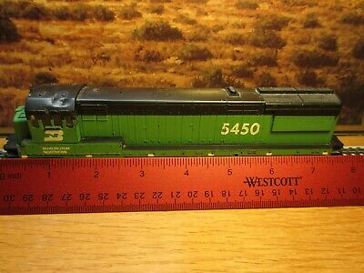 Ho Scale U23-B Burlington Northern Diesel Locomotive Shell #5450