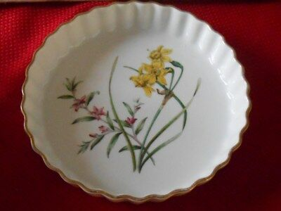 Spode China Stafford Flowers Quichepan Flan Narcissus 7 3/4 Inches* Beautiful