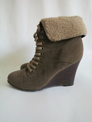 Women's Dorothy Perkins Olive Faux Suede Lace Up Ankle Boots Size UK 3, Euro 36