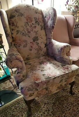 Floral Queen Anne style chair wood carved feet