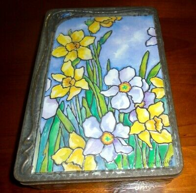 Churchill's Collectable Tin from 2007 ~ Embossed Daffodils ~ good condition