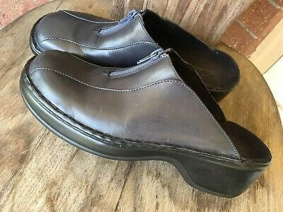 97ea79bc7f CLARKS BLACK Leather Slip On Clogs Mules Slides womens sz 7 - $11.99 ...