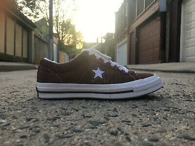 02d3c289d88a5f Converse One Star Vintage Suede Low Top (Unisex) Chocolate upper  white  bottom