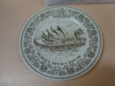 SYDNEY OPERA HOUSE collector plate.WOOD & SONS.Made in England.