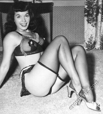 BETTIE PAGE Vintage Pin-up 8x10 Year 1955 /Metallic Finish Photo Print 8x10 Nr68