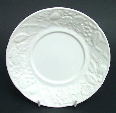 Mikasa English Countryside Pattern White Pattern Tea Saucers 16.5cm Look in VGC
