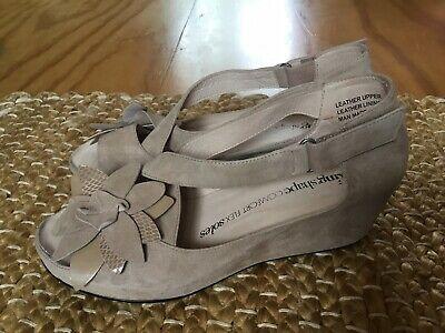 Taking Shape Beige Suede Leather Wedge Sandals EUR Size 41 Hardly Worn