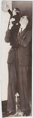 A VERY VERY VERY VERY TALL MAN * Classic ICONIC Rare VINTAGE 1930s press photo